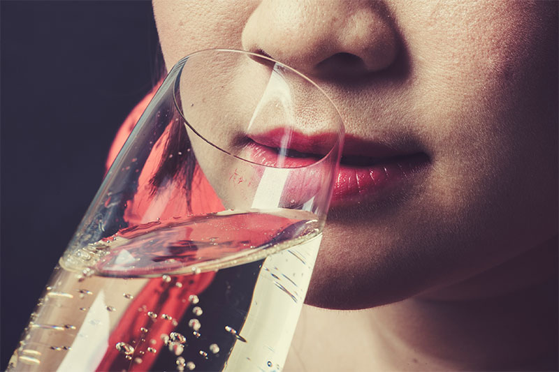 When You Drink Champagne Every Day, This Is What Happens To Your Body